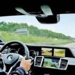 「テスラ」のミラーレス車が現実のものに。BMWi3も続くか?!